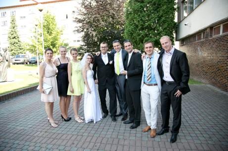 Takto sme sa pekne spoločne odfotili nanašej svadbe, oktorej ešte bude reč trošku ďalej :-)